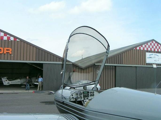 Ulm avion r seau sport de l 39 air de belgique - Hangar a vendre liege ...